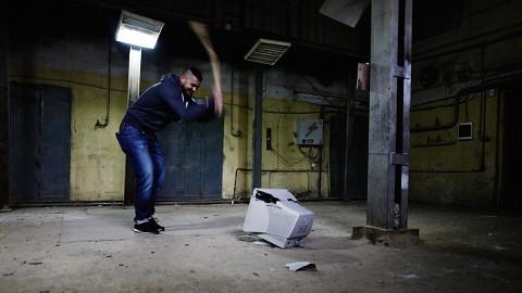 «Расфигачечная», в Москве открыли место где можно разрушить комнату кувалдой