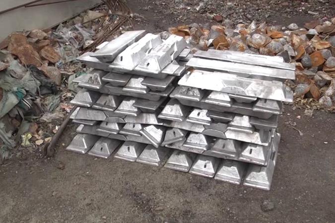 С медногорского завода пытались украсть алюминиевые слитки