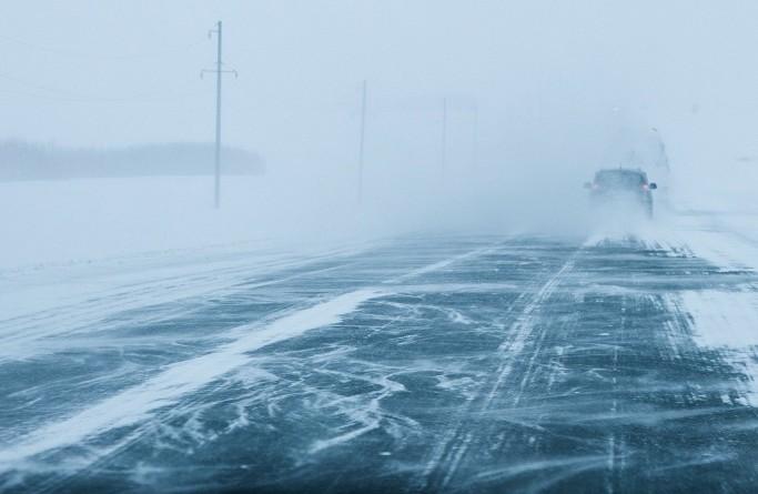 В районе Медногорска из-за непогоды перекрыли трассу Оренбург - Орск