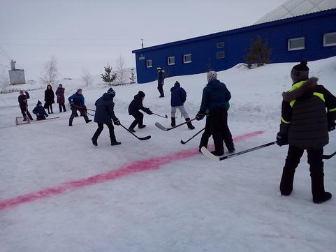 """Медногорский """"хоккей на валенках"""""""