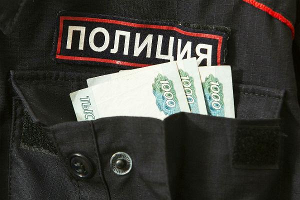 В Медногорске полицейский прикрывал продажу спиртного