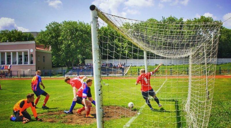 Команды Медногорска и Бузулука встретятся в рамках чемпионата по футболу