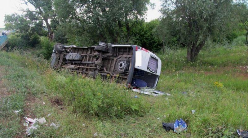 В ДТП под Оренбургом пострадало 9 человек