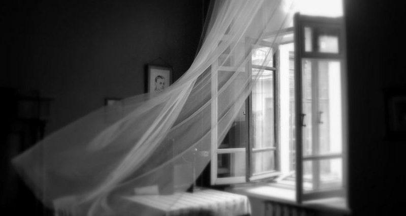 В Медногорске женщина с грудным ребенком выбросилась из окна
