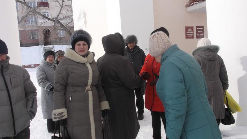 Начало митинга у ДК «Металлург»