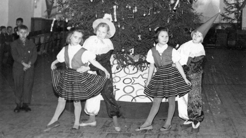 Так в клубе «25 лет Октября» проходили новогодние утренники для детей