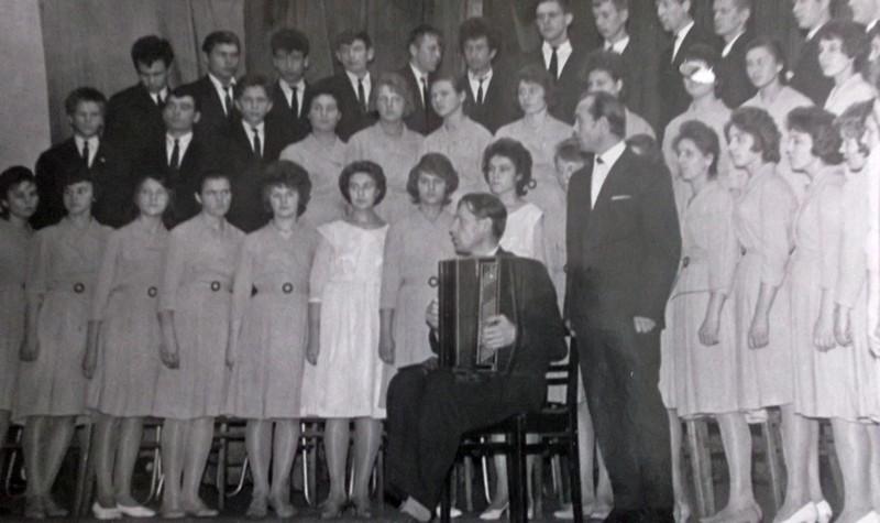 Знаменитый хор клуба «25 лет Октября» в Медногоорске