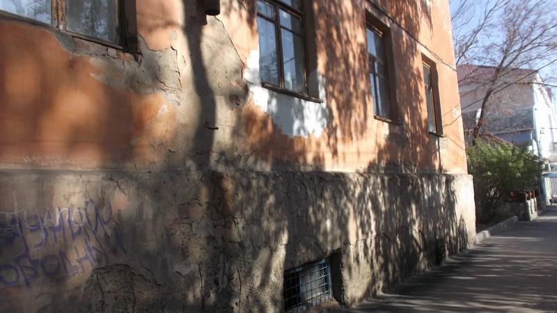 Парадная сторона по улице Ленина в Медногорске