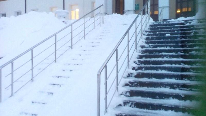 Лестница в больницу Медногорска