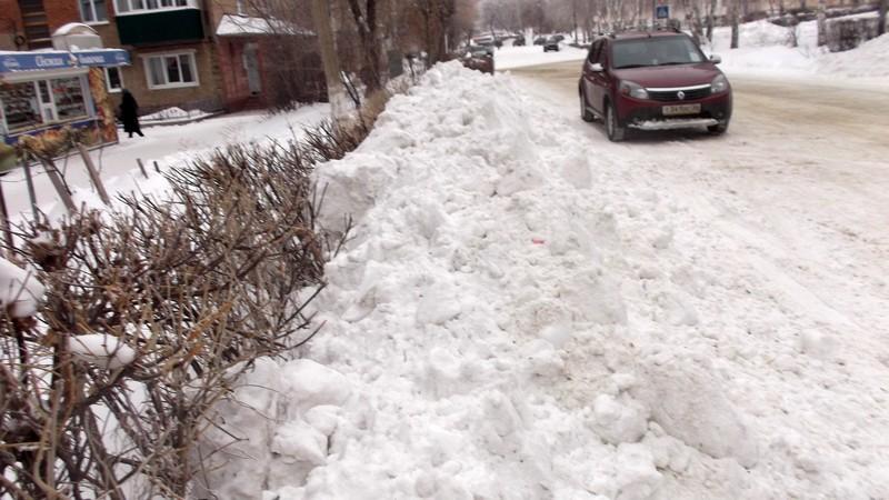 Очистка снега в Медногорске