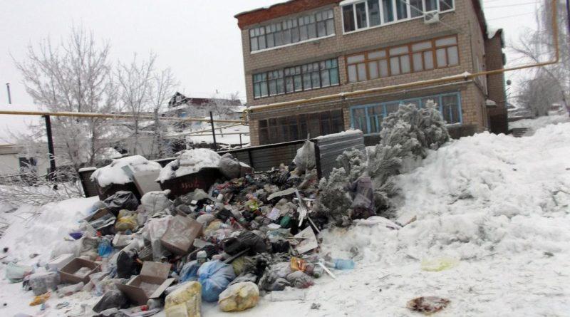 Свалка чадит — мусор валит